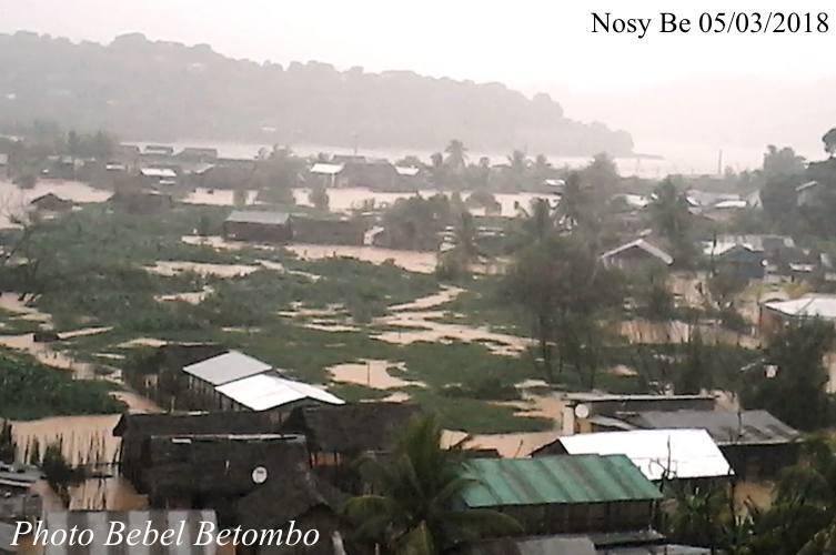 Le cyclone Dumazile provoque une alerte rouge dans le Nord